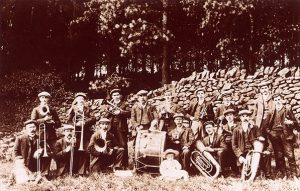 Holymoorside Band from 1905